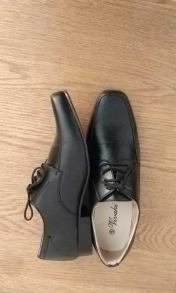 boys black shoe